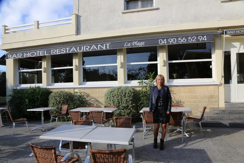 Hôtelrestaurant De La Plage À Quelques Encablures De La Mer Du - Hotel port saint louis du rhone